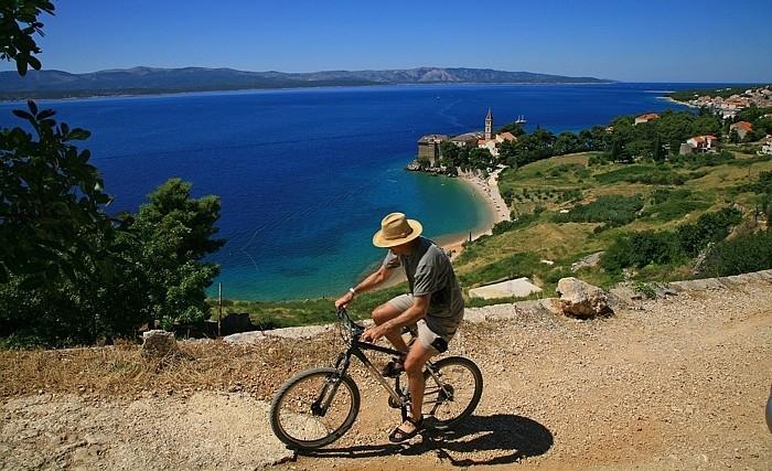 Biciklisti?ke staze otoka Bra?a